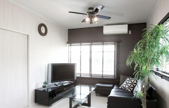 はがせる黒い壁紙クロス実例6選オシャレでかっこいいシンプルな部屋